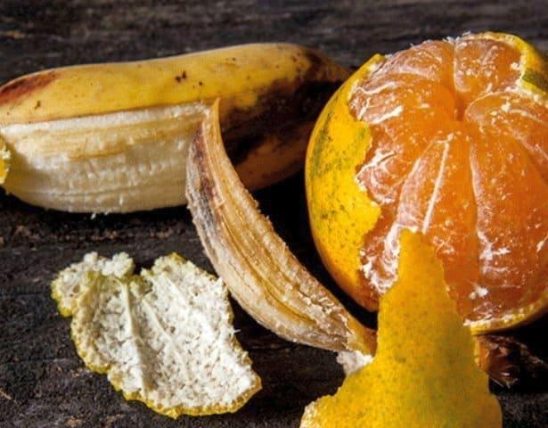 корка банана и мандарина